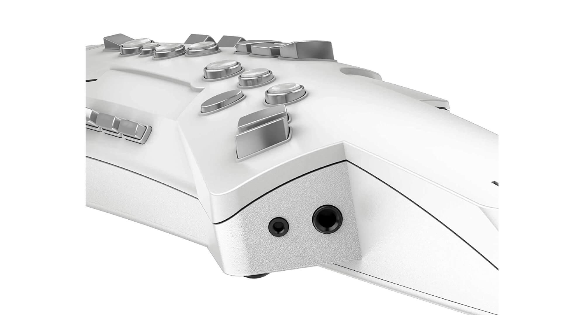 Roland Aerophone AE-10 Digital Wind Instrument 3