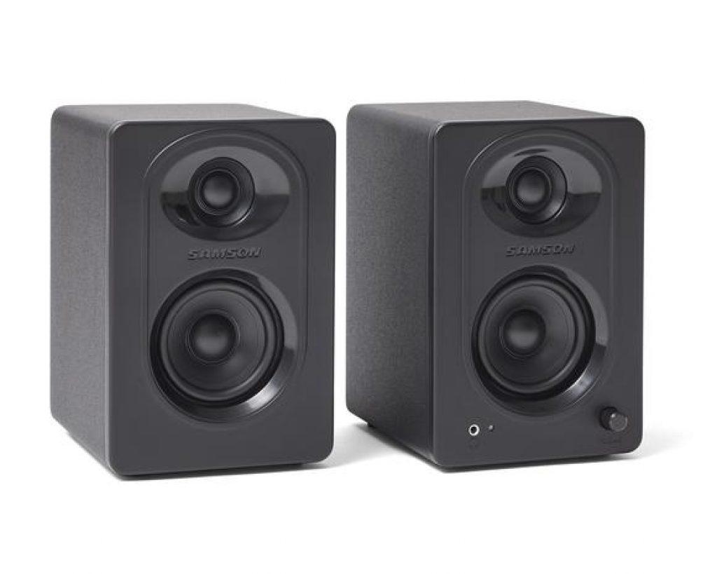 Samson MediaOne M30  - Powered Studio Monitors